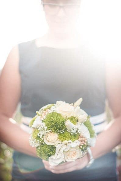 Armstrauß, Biedermeierstrauß, Brautjungfer, Brautkleid, Brautstrauß, Brautsträuße, Brautstraußwerfen, Bridal Bouquet, Hochzeit, Hochzeiten, Hochzeitsbilder, Hochzeitsfotograf, Hochzeitsfotos, Hochzeitsreportage, Kugelstrauß, profesionelle Hochzeitsbilder, professioneller Hochzeitsfotograf, Retro, Romantisch, Satinband, Satinbänder, Schleppe, Trend, Tropfenstrauß, USA, Verträumt, Vintage, Wasserfallstrauß, Waterfallbouquet, Wedding, Wurfstrauß, Zepterstrauß, Zweitstrauß (12)
