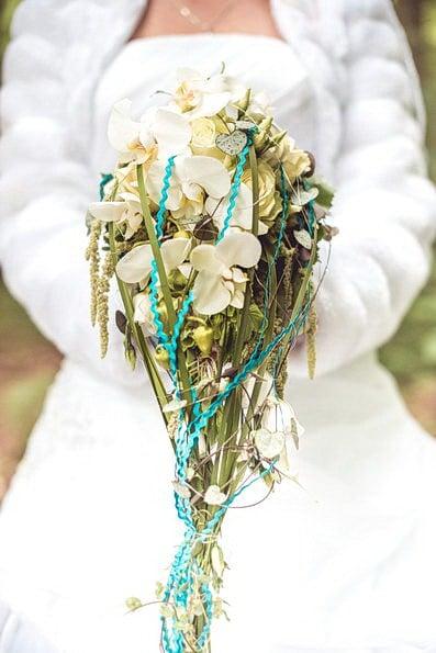 Armstrauß, Biedermeierstrauß, Brautjungfer, Brautkleid, Brautstrauß, Brautsträuße, Brautstraußwerfen, Bridal Bouquet, Hochzeit, Hochzeiten, Hochzeitsbilder, Hochzeitsfotograf, Hochzeitsfotos, Hochzeitsreportage, Kugelstrauß, profesionelle Hochzeitsbilder, professioneller Hochzeitsfotograf, Retro, Romantisch, Satinband, Satinbänder, Schleppe, Trend, Tropfenstrauß, USA, Verträumt, Vintage, Wasserfallstrauß, Waterfallbouquet, Wedding, Wurfstrauß, Zepterstrauß, Zweitstrauß (8)