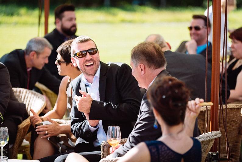 Braut, Bräutigam, Brautstrauß, Brautstraussliebe, Darmstadt, Deko, Dekoration, Fotografie, Frankfurt, freie Trauung, Freudentränen, Gärtnerrei Decher, Hochzeit, Hochzeiten, Hochzeitsbilder, Hochzeitsdeko, Hochzeitsfotograf, Hochzeitsfotos, Hochzeitsliebe, Hochzeitsmakeup, Hochzeitsreportage, Idyllisch, Karben, locker, Party, profesionelle Hochzeitsbilder, professioneller Hochzeitsfotograf, Reportage, Rhein-Main-Gebiet, Ringe, Romantisch, See, Sektempfang, Sommerhochzeit, Sonnenstrahlen, süss, Trauredner, unkonventionell, Verträumt, Wedding (33)