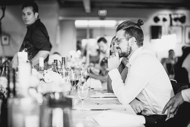 Alzenau, Braut, Bräutigam, Brautstrauß, Brautstraussliebe, Coole Gruppenfotos, Fotografie, Freudentränen, Hochzeit, Hochzeiten, Hochzeitsbilder, Hochzeitsdeko, Hochzeitsfotograf, Hochzeitsfotos, Hochzeitsliebe, Hochzeitsmakeup, Hochzeitsreportage, Hofgut Hörstein, Idyllisch, Kirche, kirchliche Trauung, Kleingruppenbilder, locker, Party, Pfarrer, profesionelle Hochzeitsbilder, professioneller Hochzeitsfotograf, Reportage, Ringe, Romantisch, Schloß, Schloss Johannisburg, Schlosskapelle, Sektempfang, Stuttgart, Unterfranken, Verträumt, Wedding, Weinberge (61)