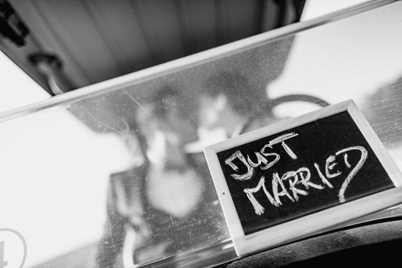 Braut, Bräutigam, Brautstrauß, Brautstraussliebe, Deko, Dekoration, Fotografie, freie Trauung, Freudentränen, Golfplatz, Gründau, Gut Hühnerhof, Hochzeit, Hochzeiten, Hochzeitsbilder, Hochzeitsdeko, Hochzeitsfotograf, Hochzeitsfotos, Hochzeitsliebe, Hochzeitsmakeup, Hochzeitsreportage, Idyllisch, Party, profesionelle Hochzeitsbilder, professioneller Hochzeitsfotograf, Reportage, Rhein-Main-Gebiet, Romantisch, Sektempfang, Sommerhochzeit, Sonnenstrahlen, süss, Trauredner, unkonventionell, Verträumt, Wedding (41)