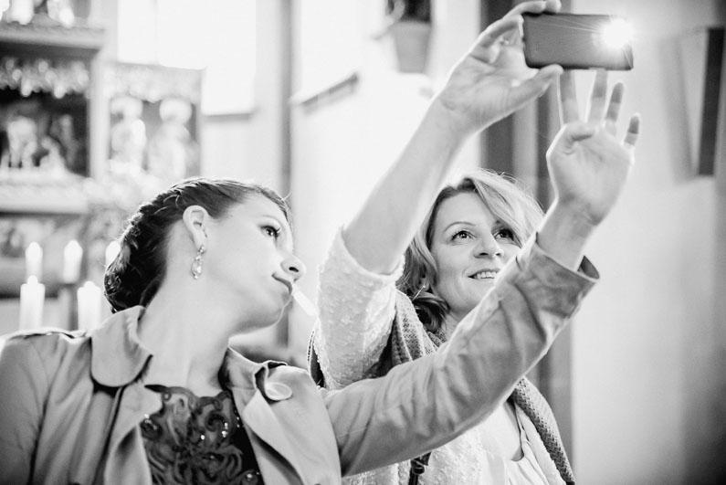Aschaffenburg, Bäume, Braut, Bräutigam, Brautstrauß, Brautstraussliebe, Fotografie, Frankfurt, Herbsthochzeit, Hochzeit, Hochzeiten, Hochzeitsbilder, Hochzeitsfotograf, Hochzeitsfotos, Hochzeitsliebe, Hochzeitsmakeup, Hochzeitsreportage, Lichtung, Mönchberg, Obstkeller, Oktober, Park Schönbusch, profesionelle Hochzeitsbilder, professionelle Hochzeitsbilder, professioneller Hochzeitsfotograf, Reportage, Restaurant Schönbusch, Rhein-Main-Gebiet, Romantisch, Schönbusch, Sonne, Sonnenschein, Sonnenstrahlen, Spätsommer, Spiegelsaal, Wedding (23)